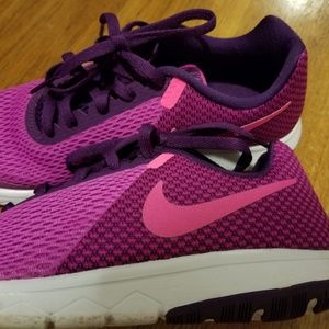 Shoes - Nike Limited